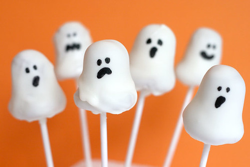 Ghost Cake Pops by Bakerella.