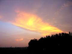 CLOUDS @ sunset (~~~~Karthik.S~~~~) Tags: sunset india canon bangalore karnataka oléquebonito