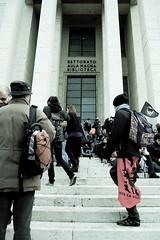 DSC_9115 (Giacomo Cosua) Tags: rome roma demonstration venezia venedig proteste padova giacomo studenti sfilata manifestazione veneto corteo lasapienza veneziani universitari cosua ondanomala wwwcosuaitgiacomo veneziaroma ondaanomala liceali no133 controlagelmini noilacrisinonlapaghiamo venezianiaroma
