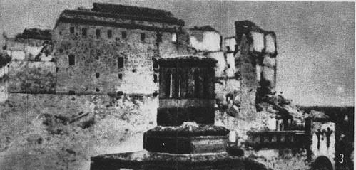 Iglesia de la Magdalena y Alcázar de Toledo al final del asedio en 1936