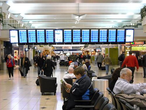 Flight Status Screens at MSP