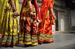 Classical Rajasthani Dance, Udaipur India (Laura Dunn-Mark) Tags: travel india dance women colorful desert traditional culture traditions classical 2008 rajasthan udaipur haveli lauradunnmark bagorekihaveli darohar