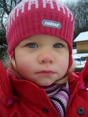 reima...? (SANWEST) Tags: schnee winter snow outside hanna kalt nase mtze draussen reima