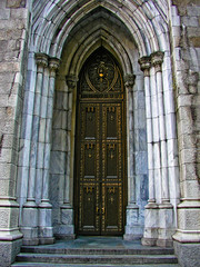 BM140 Saint Patrick's (listentoreason) Tags: door newyorkcity usa newyork church architecture america unitedstates cathedral stpatrickscathedral favorites places olympus neogothic romancatholic doorsandwindows saintpatrick score30 olympusc4040z c4040z