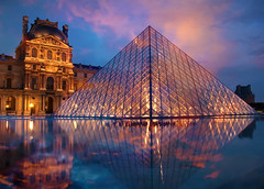 the pyramid of Louvre in Paris (*bratan*) Tags: sky paris france reflection museum architecture clouds bravo searchthebest pyramid louvre muse reflet pei infinestyle bratanesque obq lolnoonlyhairdomygranpapawasbigdongiovannilol