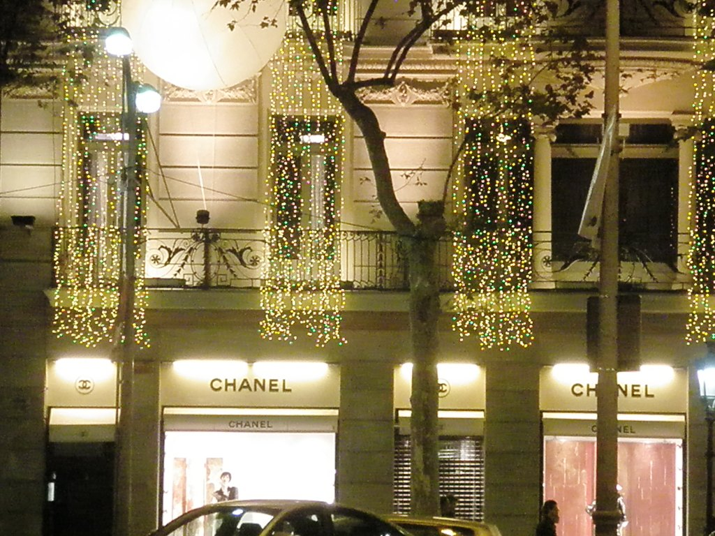 orbs, lights, chanel.