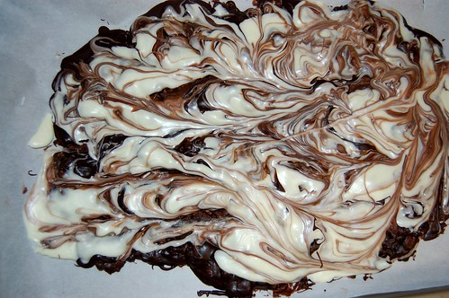 marbling holiday bark