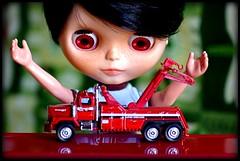 Loooook!!! Eees a truck!!!