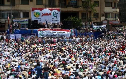 Thousands-assemble-Tahrir-Square-prayer-Cairo_689542