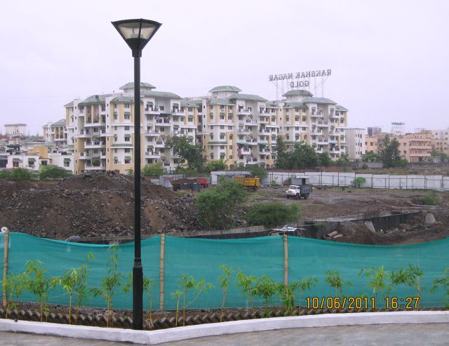 Rakshak Nagar Gold from Kolte-Patil Developers' Tuscan Estate, 3 BHK Flats & 4 BHK Paint-Houses, on main Kharadi - Hadapsar Bypass, behind Radisson Hotel, at Kharadi Pune