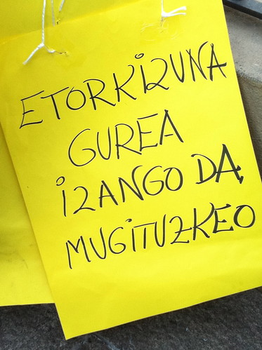 Pancarta en euskera