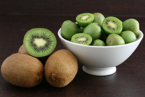Regular Kiwis vs. Hardy Kiwis (Baby)