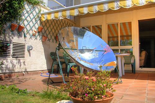 Solar cooker 1