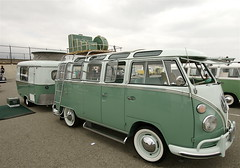 Bug-In 33 (spins LPs) Tags: vw camper vwbus