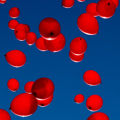 Red balloons (Jakob E) Tags: blue red balloons denmark balloon demonstration strike odense foa canon400d strejke flerehnder