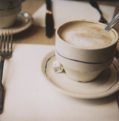 cafeaulaitnearperelachaise