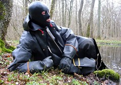 34 (Rubberping) Tags: rubber waders rubberboots gazmask