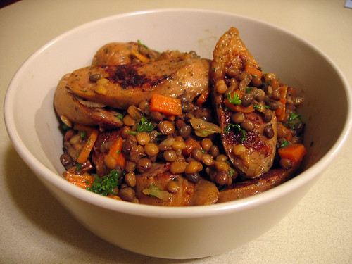 Lentil salad with browned sausages