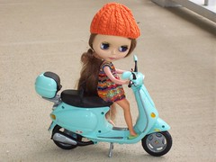 Stella w/ new outfit by Googoojue&new Vespa