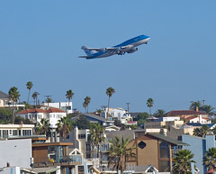 klm 747 lax takeoff over playa del rey (Anthony Citrano) Tags: california airplane asia jet boeing lax klm noise takeoff runway boeing747 747 747400 playadelrey laist boeing747400 abatement klax aerotagged klmasia 747406 aero:man=boeing aero:series=400 aero:model=747 aero:airline=klm aero:airport=klax boeing747406 airportnoise aero:series=406