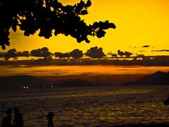 Itacuru  - Brincadeira (Jackson Anastacio) Tags: sol praia mar do por anoitecer
