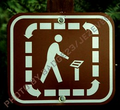 Funny Sign - Sign Will send you in circles (Badger 23) Tags: seattle people man men sign washington funny humor lustig figure laugh stickfigure stick sein stickfigures figures engraado funnysign signe divertente stickpeople zeichen drle grappig segno signo znak    teken enklas inperil  tegn    merkki mrk      badger23