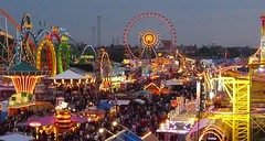 D'Wiesn 2008 (Claude@Munich) Tags: festival germany munich münchen geotagged deutschland bavaria lights evening abend carousel fair oktoberfest ferriswheel bigwheel funfair wiesn lichter volksfest claudemunich top20bavaria top20bavaria20 geo:lat=48134611 geo:lon=1155169