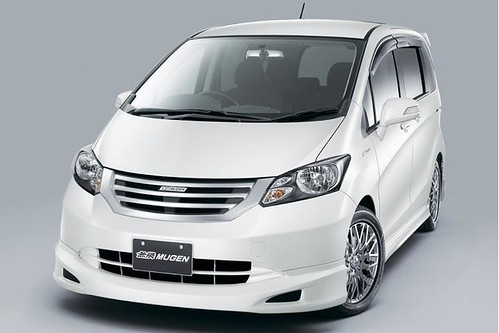 Compare, Kijang Innova vs Honda Freed