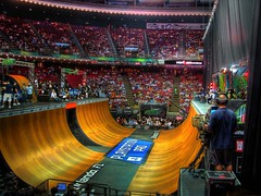 HDR Vert Finals (J.S. Wolf Photography) Tags: color bike bicycle sport ramp air crowd rail vert dew trick hdr extremesport dewtour
