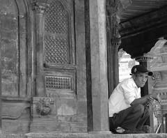 IMG_0703 (Cyberian8) Tags: nepal people blackandwhite bw blancoynegro blanco persona blackwhite asia gente noiretblanc negro bn personas gent orang humanos blancinegre   insanlar ljudi    mense  lesgens mnniskor crnobijeli   siyahvebeyaz svartochvitt  hitamdanputih schwarzundweis  bystrangeearth swartenwit    diemenschen