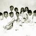 Lien hoan thi dau Tu tai 1 tai nha ban cung lop Nguyen Thi Liem, An Loc 29-8-1970