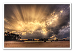 A Few Rays-6544 (Barbara J H) Tags: sunshine australia qld rays sunrays storms hdr stormclouds stormyweather cottontree maroochydore barbarajh auselite vosplusbellesphotos