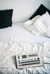 roland tr-707 in my bed (raumskaya) Tags: bed drum roland inbed 707 tr707