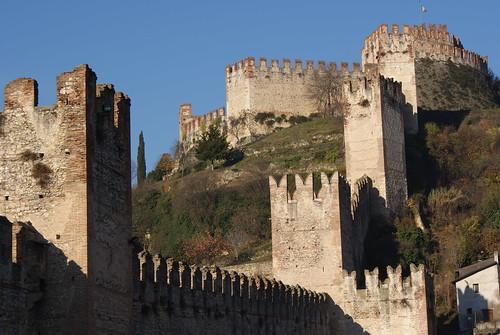 Castello di Soave - cinta muraria by Richie Gekko.