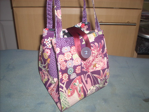 Noriko Handbag - standing by uconnelly.