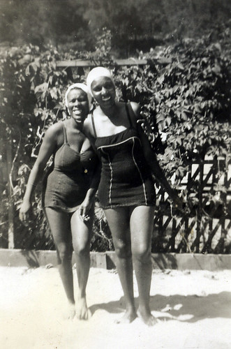 African-American women in bathing suits, 1930s photo