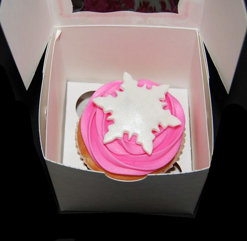 pink snowflake jumbo cupcake