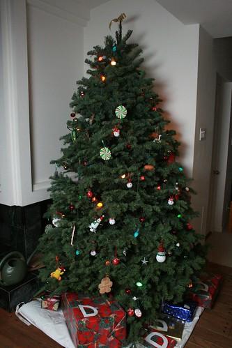 3 Fun Ways to Reuse Your Christmas Tree