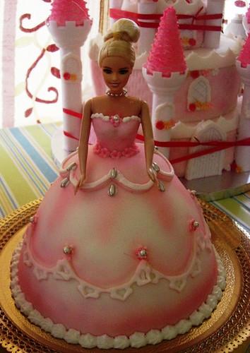 barbie cake dubai