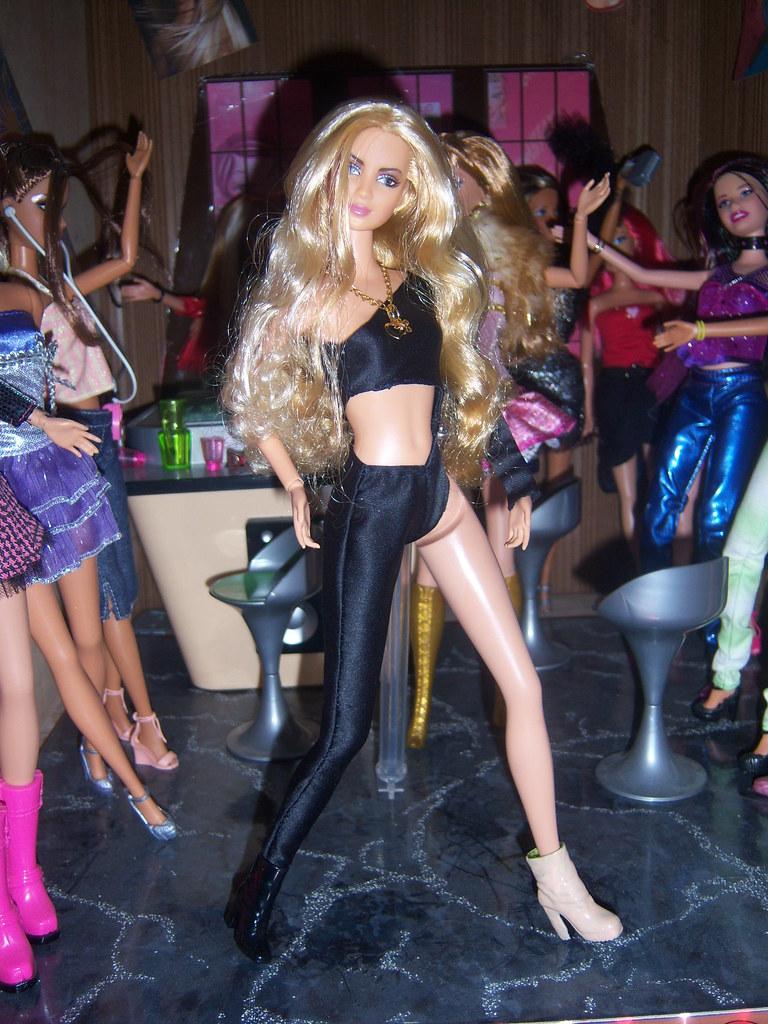 Shakira muñeca la loba