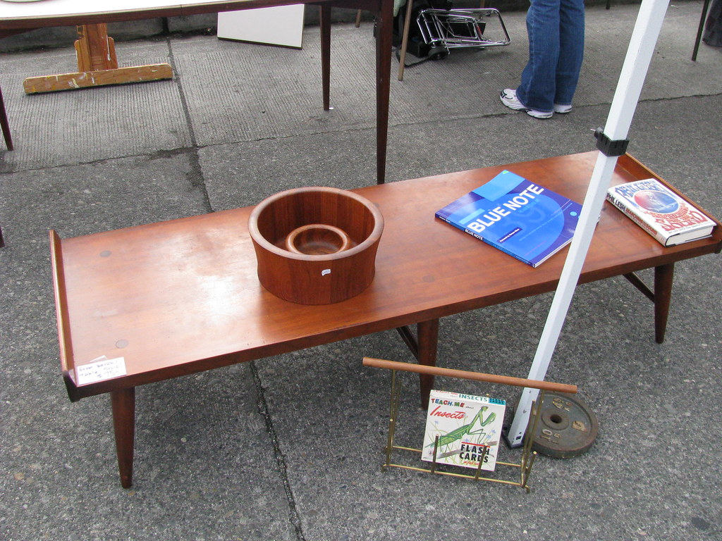 Coffee table at the Fremont Sunday Market