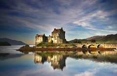 Reflections of Eilean Donan Castle (JayTeaUK) Tags: fab sky reflection castle water photoshop scotland bravo loch reflexions eilean donan mywinners abigfave avision megashot awardflickrbest johnturp
