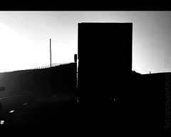 ɗøµ'†   ʂ†øp (.Tatiana.) Tags: sunset pordosol bw truck pb da naestrada silhueta caminhão sadia dedentrodocarro caminhões commarcusemami indoparapenápolis