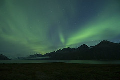 Aurora Borealis in Tasermiut (Greenland) (elosoenpersona) Tags: longexposure light mountains night stars lights nikon long exposure aurora greenland estrellas nocturna fjord northern nocturne tierras exposicion montaas borealis boreal fiordo larga polares blueribbonwinner groenlandia
