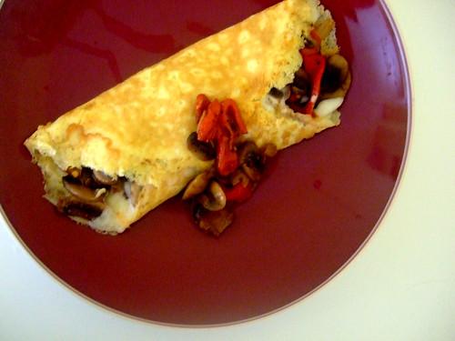 mushroom red pepper omelete