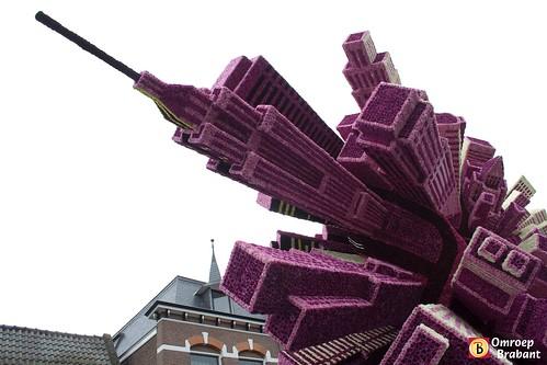 Bloemencorso in Zundert by Omroep Brabant.