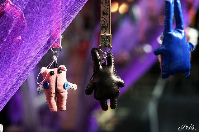 Mini Hanging People (With Buttons)