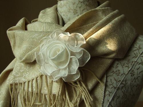linen rose brooch - LinenMe