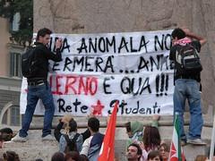 L'onda anomala (Gaiux) Tags: roma università protesta 2008 proteste scuola manifestazione sciopero riforma facoltà finanziaria istruzione sindacato sindacati gelmini 30102008 legge133