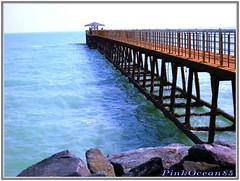Fishing bridge (Aisha Altamimy) Tags: bridge sea rock rocks gulf kuwait arabiangulf q8 الخليج البحر الكويت كويت جسر صخر كوخ الخليجالعربي ozq8 pinkocean85